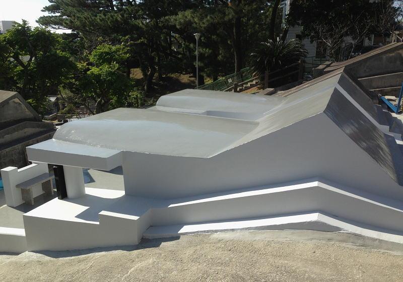 ②屋根・側壁部分 亀裂劣化処理後防水塗装仕上